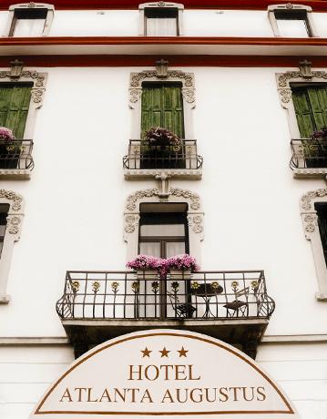 facciata-hotel